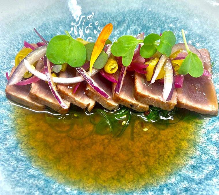 tataki de atún del restaurante bar borago