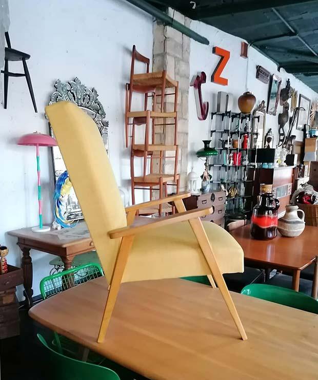 sillas vintage en la prenderia