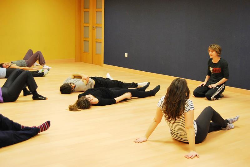 danza en la Escuela del Teatro de las Esquinas