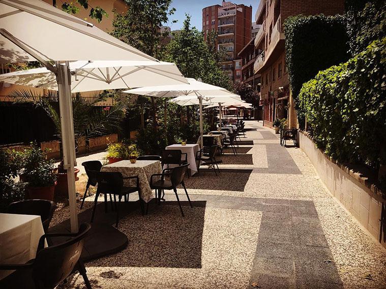Terraza del restaurante La Jamonería