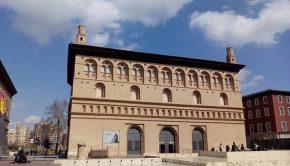 Construida entre 1541 y 1551, la Lonja de Mercaderes está considerada la obra cumbre de la arquitectura civil renacentista aragonesa