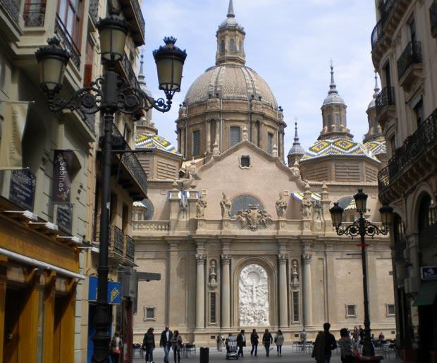 El Pilar visto desde la calle Alfonso