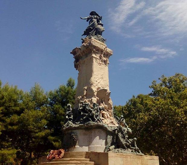 Vista del Monumento de los Sitios de Zaragoza