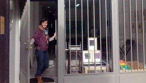 Natalia Royo, creadora zaragozana e impulsora de Tinta Entera, un taller de obra gráfica situado en la calle Maestro Estremiana