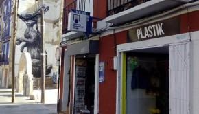 La zaragozana Elba Haxel, impulsora de Plastik Vintage Shop