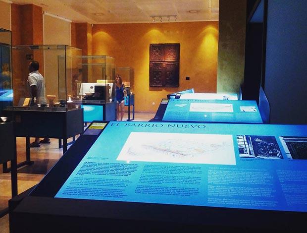 Vida en la judería zaragozana, parte de la cual estaba construida sobre el Museo del Teatro de Caesaraugusta