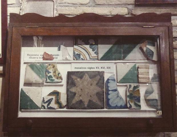 Restos rescatados del derribo de la Torre Nueva. En el museo dedicado al desaparecido monumento en los bajos de Casa Montal (Plaza San Felipe)