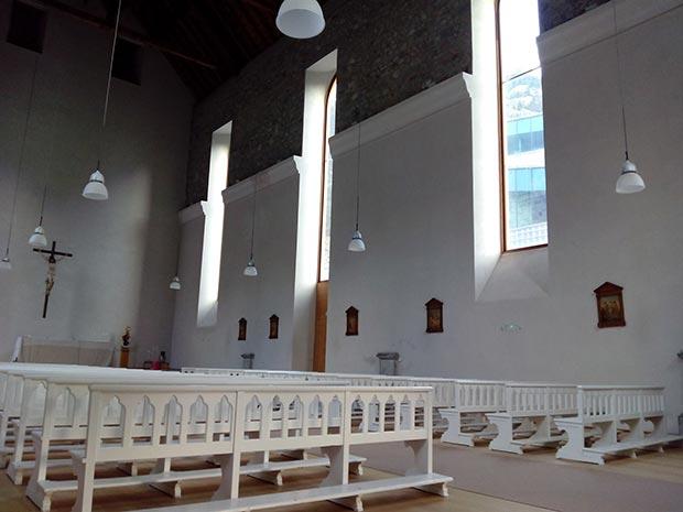 Interior de la iglesia de Nuestra Señora del Carmen, de 1875