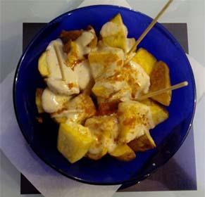 Patatas Bravas en la Cafetería Faustino