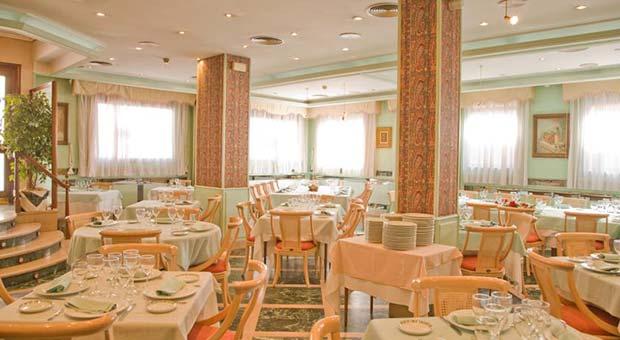 Hotel Tibur, Restaurante