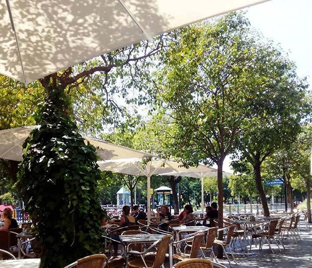 Terraza de la Cafetería Faustino