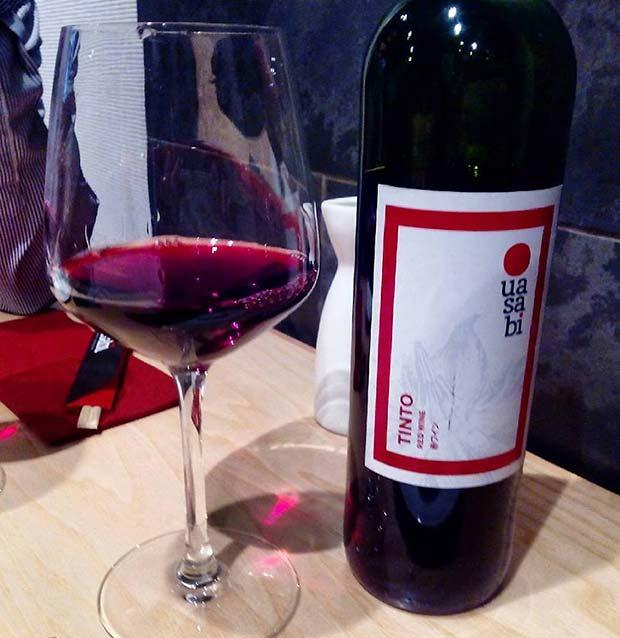 Vino garnacha en @uasabizaragoza, delicioso... #zaragoza