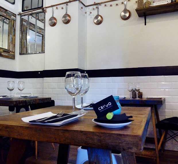 Crudo es una taberna gastronómica de reciente apertura, situada en la céntrica Calle Doctor Cerrada, con la intención de convertirse en un referente gastronómico de Zaragoza