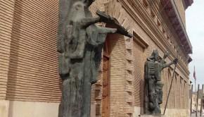 Esculturas del Ángel Custodio y San Valero en el Ayuntamiento de Zaragoza