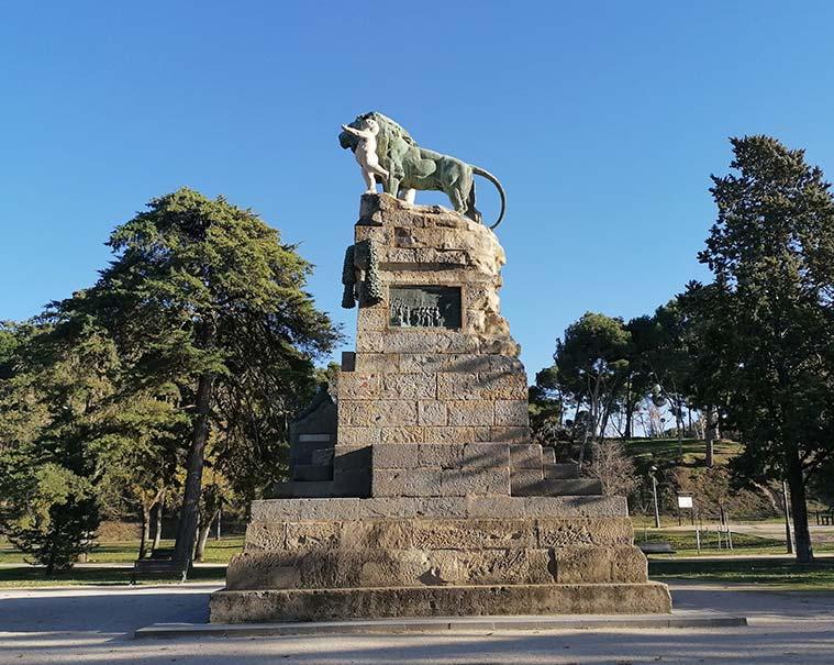 Monumento a la Exposición Hispanofrancesa de 1908 en el Parque Grande