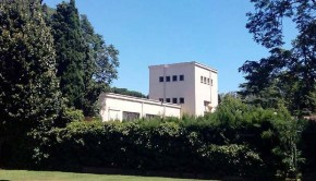 El Rincón de Goya es uno de los mejores ejemplos arquitectónicos del movimiento moderno en España y el primer edificio racionalista que se construyó en Aragón.