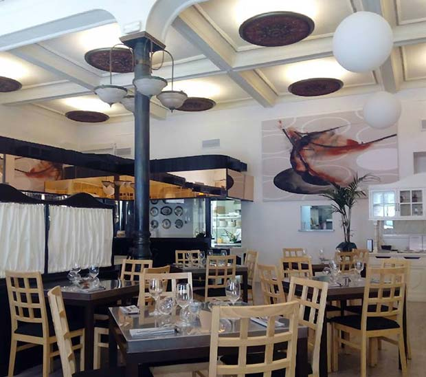 El Windsor (Coso 127) un espacio histórico recuperado de la mano de Ana Pertusa que ofrece cocina asiática fusión.