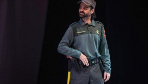 "Francisco Fraguas interpretando a un Guardia Civil en ""Dakota"""