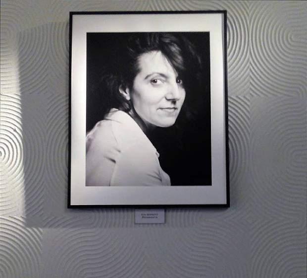 """Retrato de Lalo Cruces en la exposición """"Miradas Intimas"""" de Enrique Fantova"""