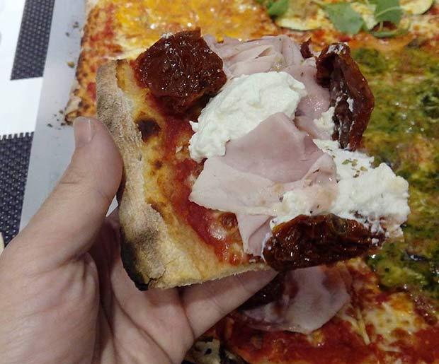 Pizzas de york, ricotta y tomate seco