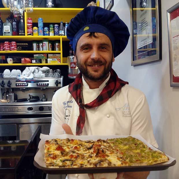 Si algo sabe hacer Cristian Georgita son pizzas: 10 años trabajando a las órdenes de los mejores maestros pizzeros
