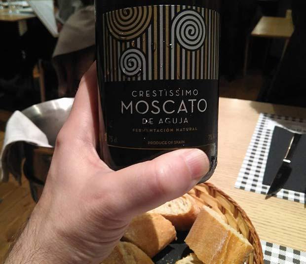 Vino Moscato blanco en La Bocca