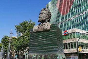 Monumento a Basilio Paraíso en Zaragoza