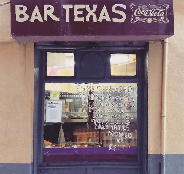 Vista del Bar Texas desde la Calle 4 de Agosto