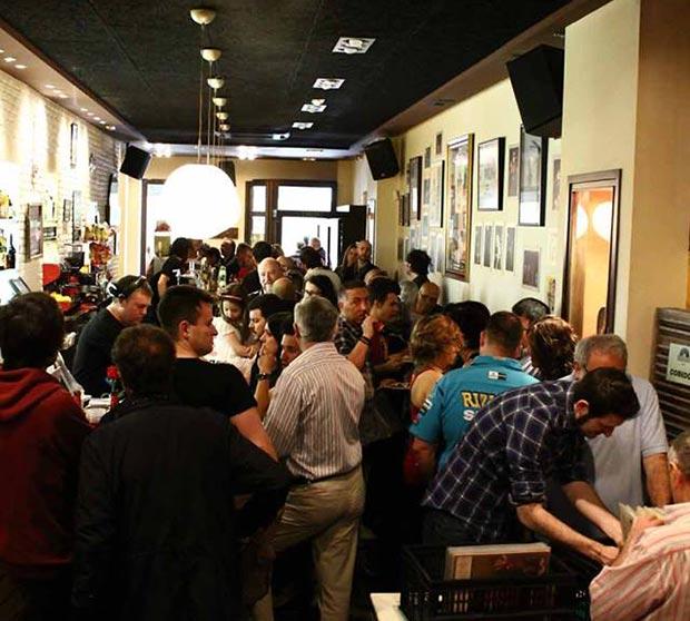 Interior del Café Linacero