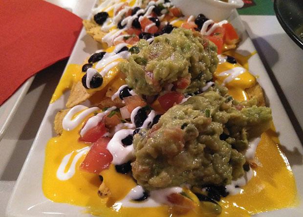 Nachos con Guacamole en el Restaurante Taquería La Quebradora