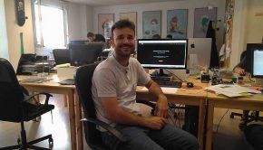 Pedro Lozano Cofundador y COO de Imascono, en las oficinas que la empresa tiene en la zaragozana calle Sanclemente