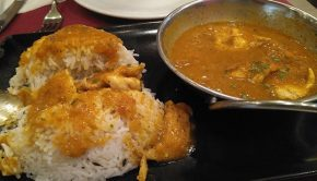 Pollo al Curry del Café del Tibet