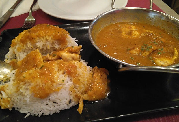 Pollo al Curry del Café del Tibet