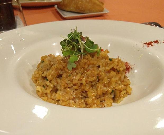 Arroz meloso de pulpo con champiñones y pimentón en Restaurantes Goralai