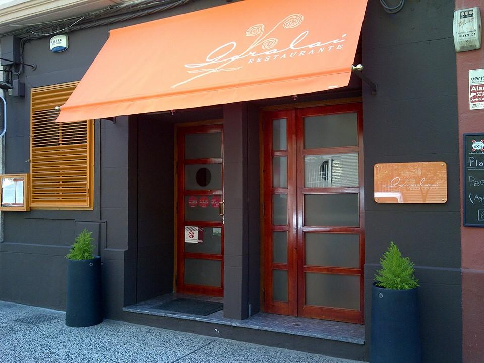 Entrada del Restaurante Goralai