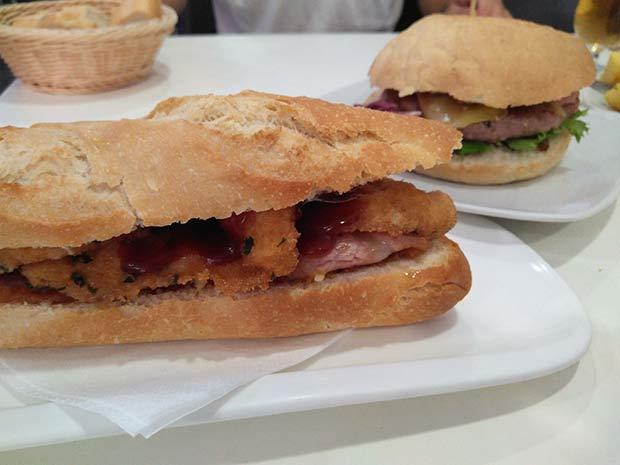 Bocadillos y hamburguesas en Bocatart