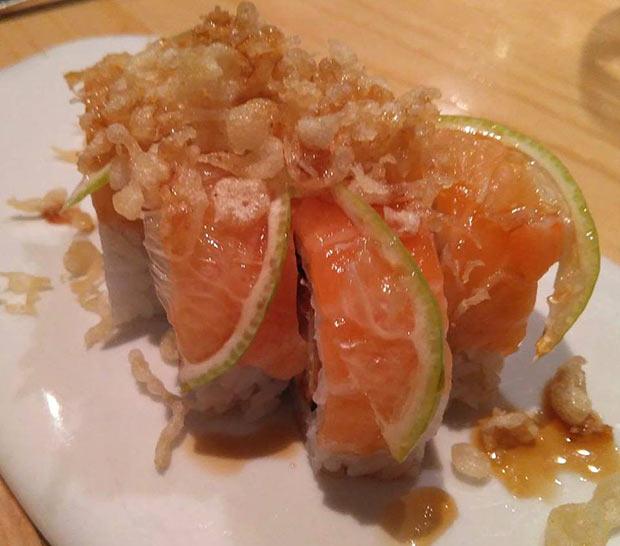 Maki de naranja del restaurante uasabi