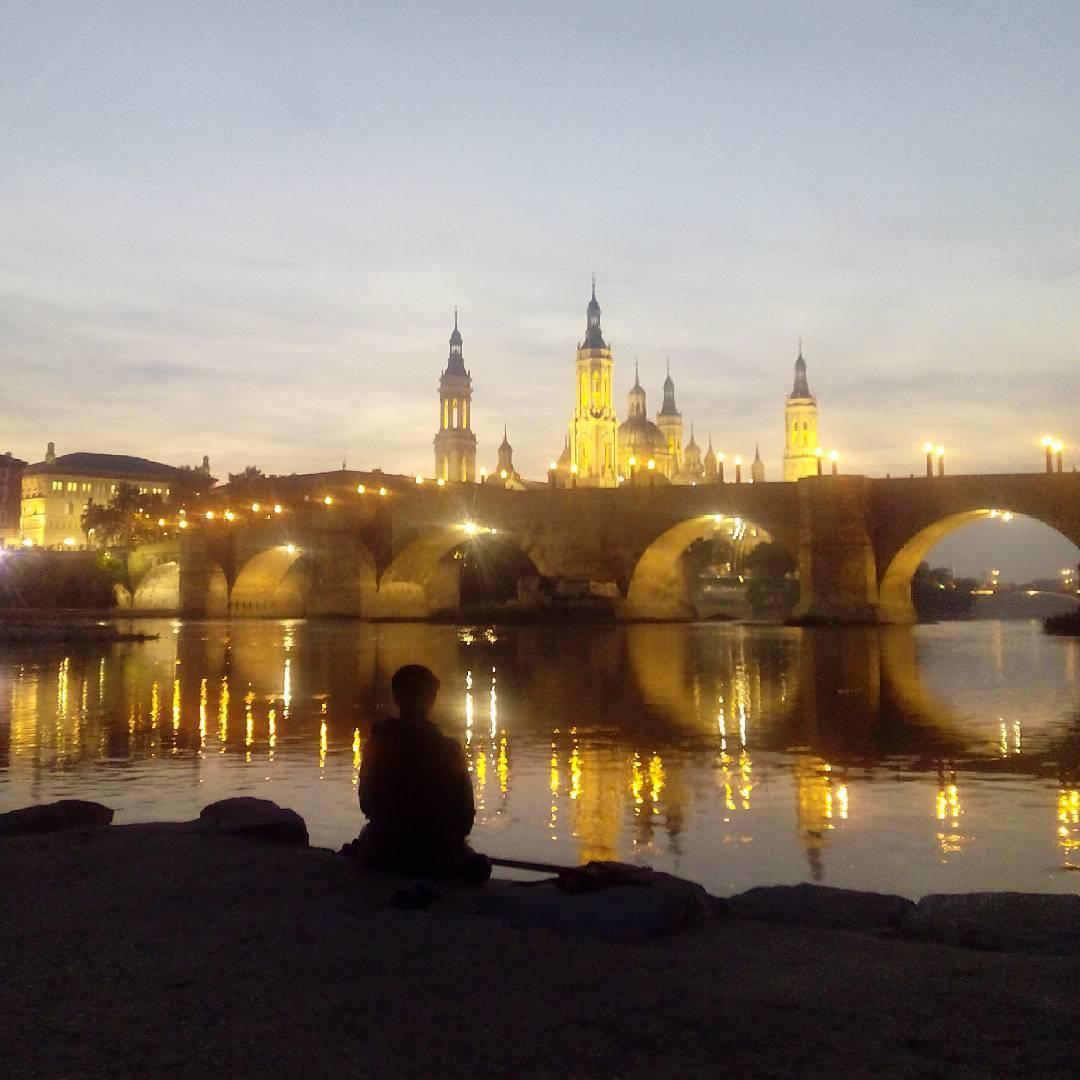 Anochecer en Zaragoza
