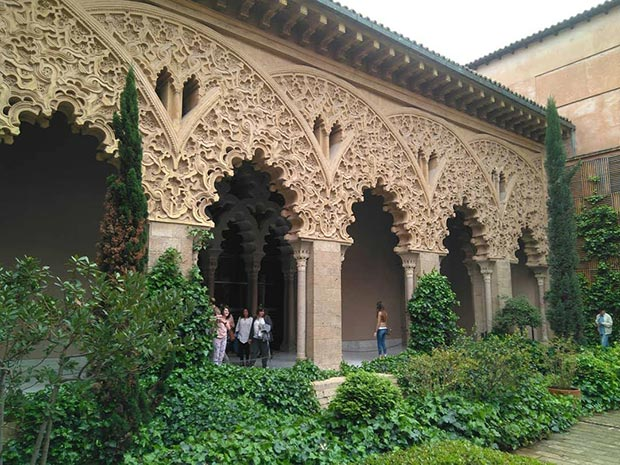 Descubriendo el Palacio de la Aljafería con Gozarte