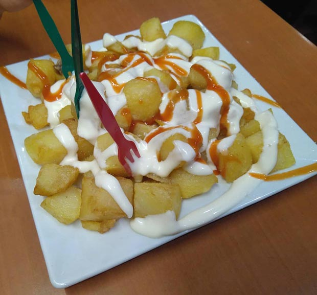 Patatas Bravas en El Tuno
