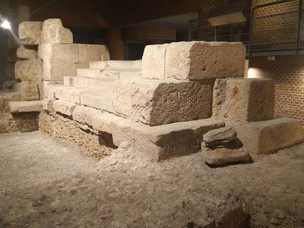restos ruinas del puerto romano de zaragoza