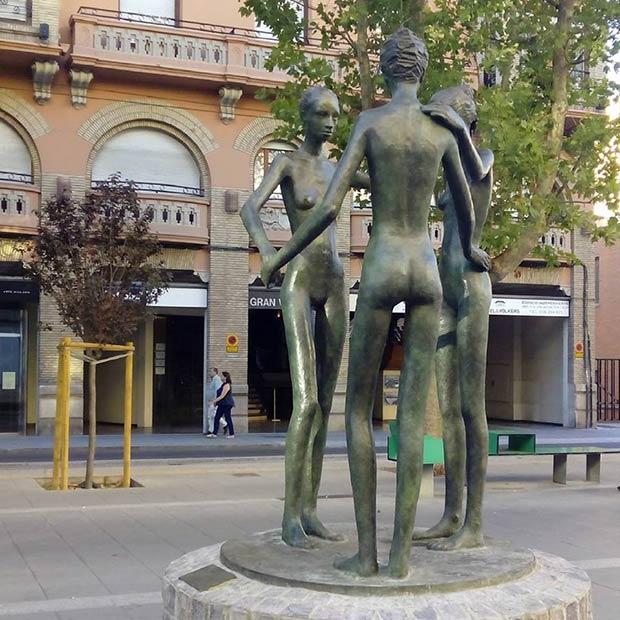 """Escultura """"Complicidad"""""""