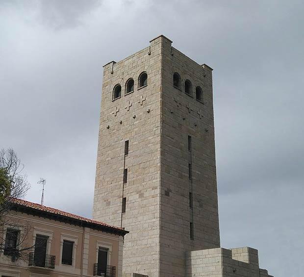 Torre del Iglesia de San Antonio de Padua, Zaragoza