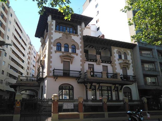 Casa Mantecon Colegio La Anunciata de Zaragoza