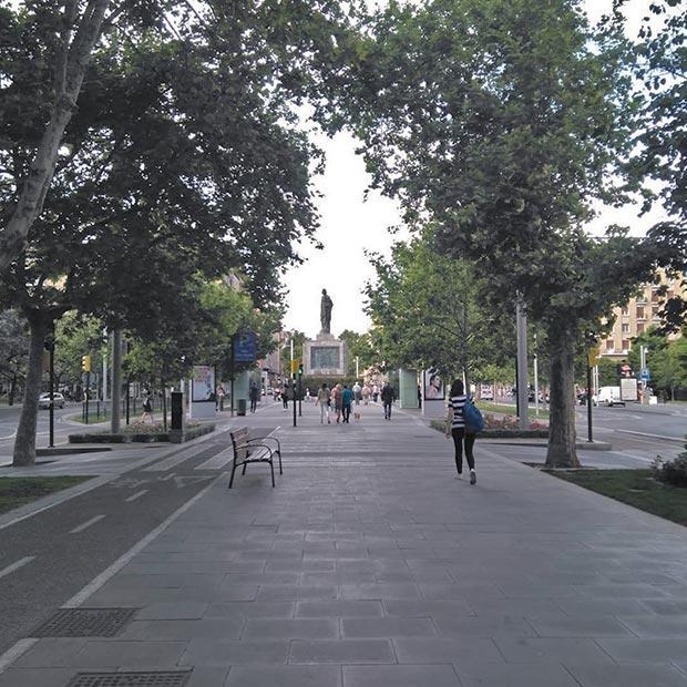 Centro del bulevar del Paseo Fernando el Católico