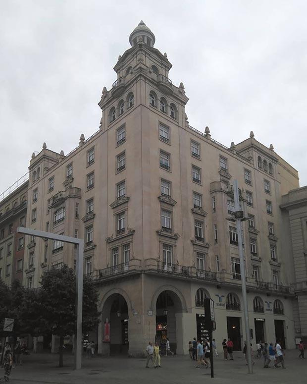 Edificio del Paseo de la Independencia nº 2