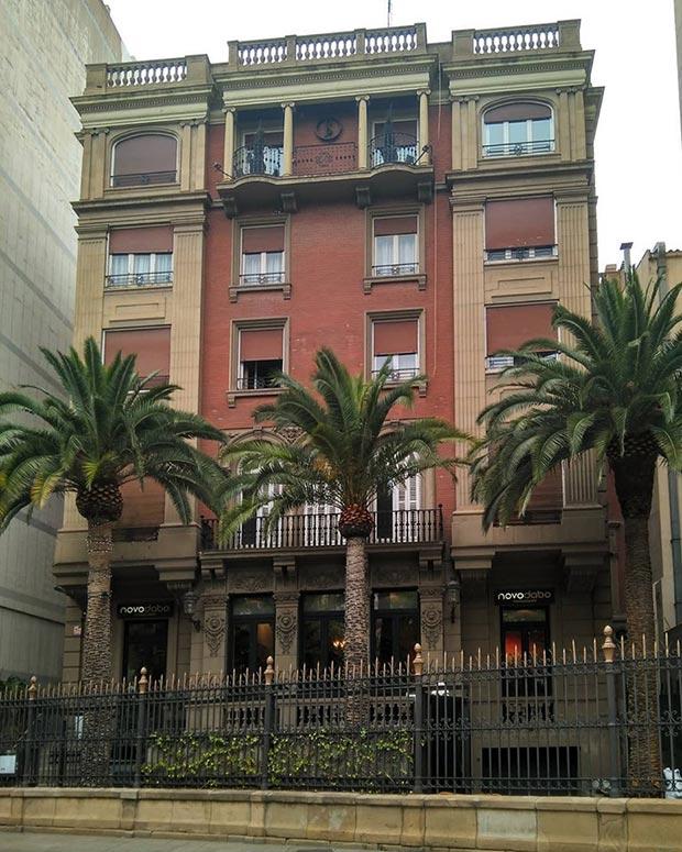Edificio en la Plaza Aragón nº 12