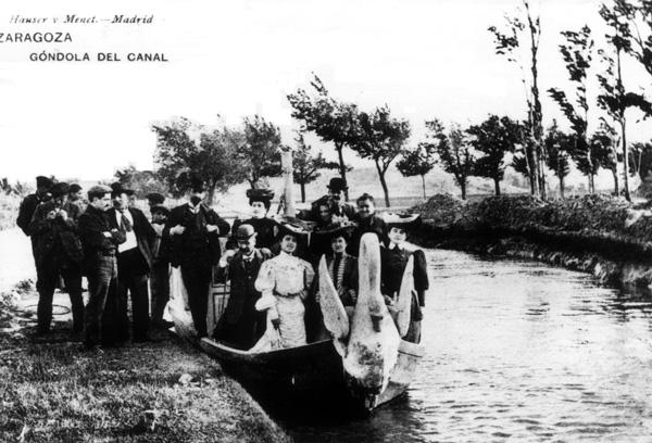 Góndola del Canal Imperial , 1900. Oscar Hauser y Adolfo Menet (Imagen: Archivo Histórico del Ayuntamiento de Zaragoza)