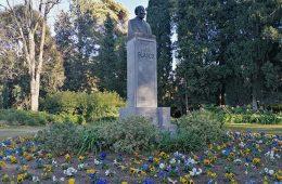 Monumento a Eusebio Blasco en el Parque Grande