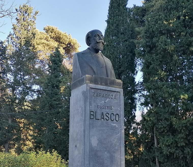 Monumento a Eusebio Blasco en el Parque Jose Antonio Labordeta de Zaragoza